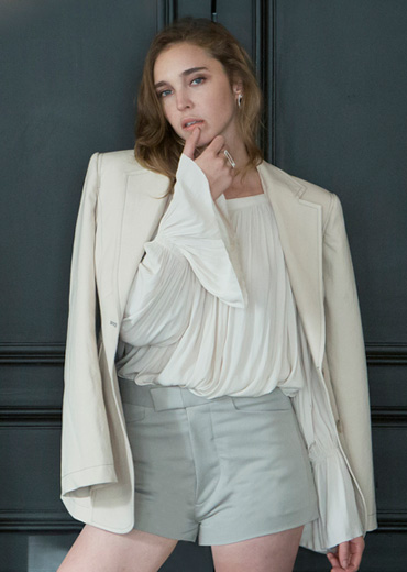 STITCHED SLEEK BLAZER [IVORY]