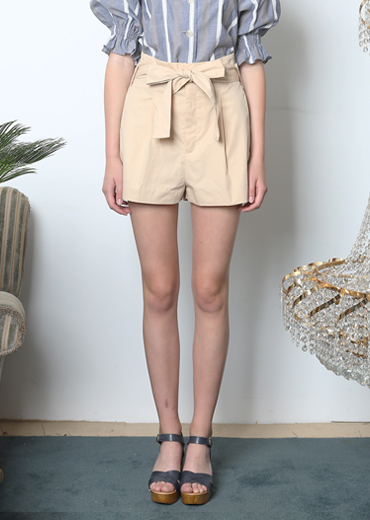 RIBBON TIED SHORTS [BEIGE]
