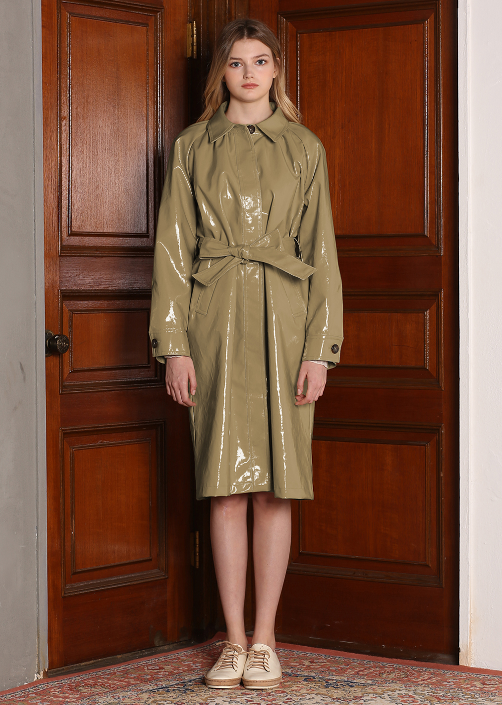 ENAMEL TRENCH COAT[KHAKI]