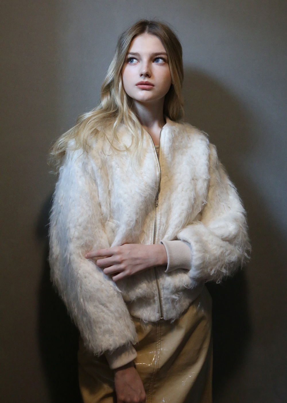 HERRINGBONE DETAILED KNIT FUR BLOUSON [IVORY]