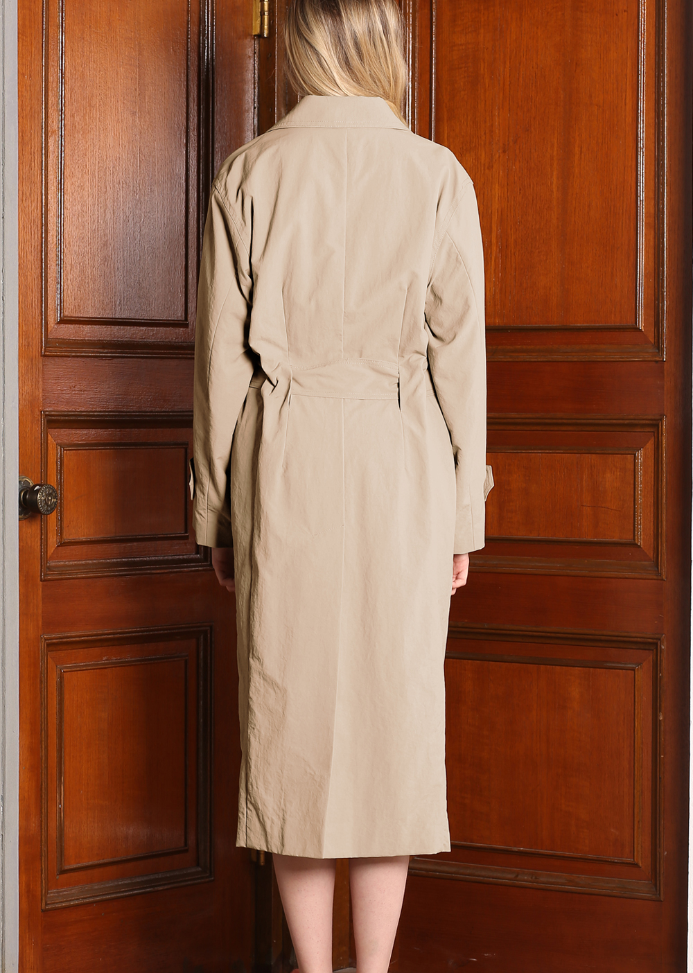 FLAPPED BIG LAPEL DETAIL TRENCH COAT [BEIGE]