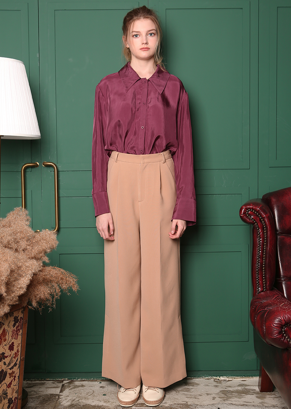 CUPRA BIG COLLAR DETAIL UNBALANCE BLOUSE [BURGUNDY]