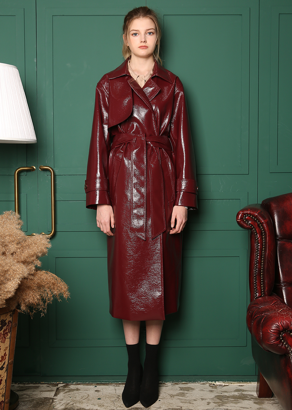 ENAMEL TRENCH LONG COAT [BURGUNDY]