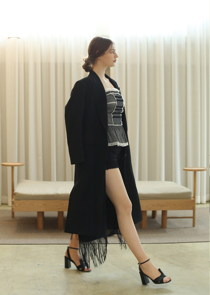 WIDE SHOULDER LONG JACKET (BLACK)