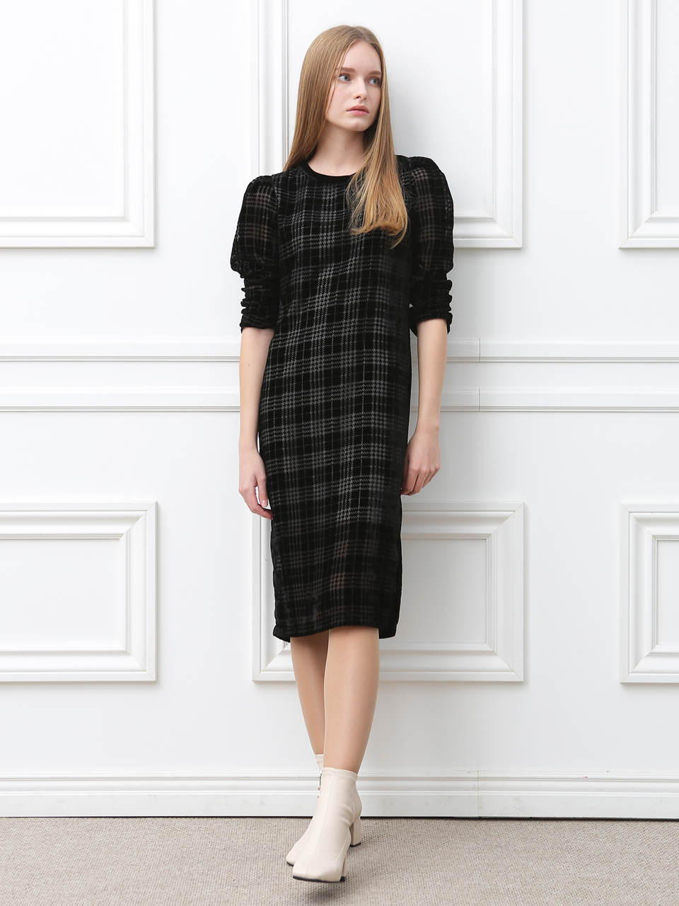 VELVET CHECK H-LINE DRESS (BLACK)