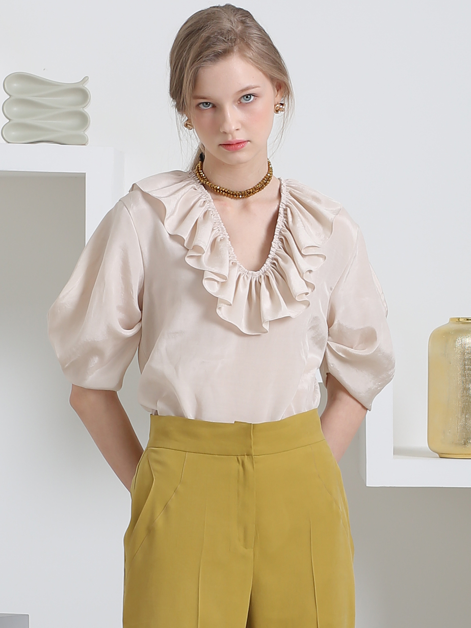 SOFT GLOSSY RUFFLED BLOUSE(LIGHT BEIGE)