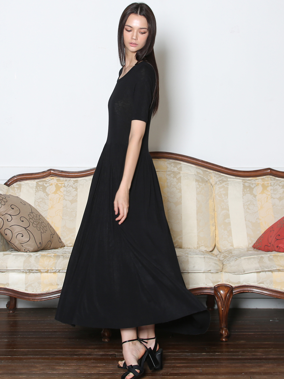 RAYON JERSEY SHIRRING DRESS (BLACK)
