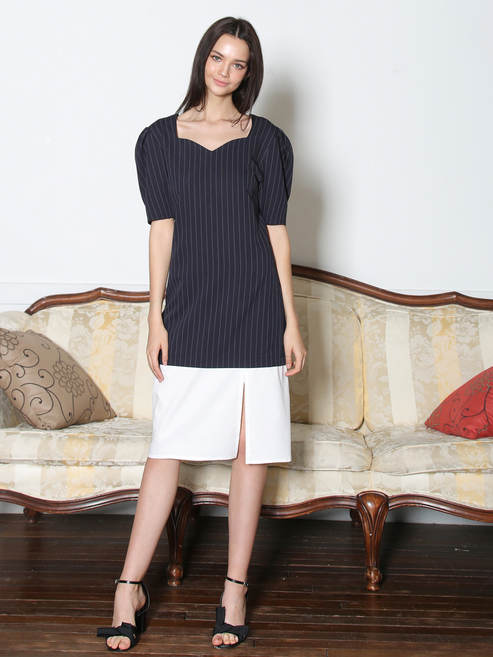 HEART LINE NECK COMBINATION DRESS (NAVY&WHITE)