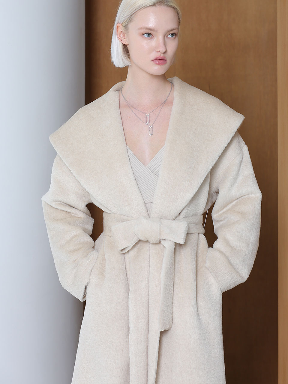 SURI ALPAKA DRAPED COLLAR OVERSIZED COAT (LIGHT BEIGE)