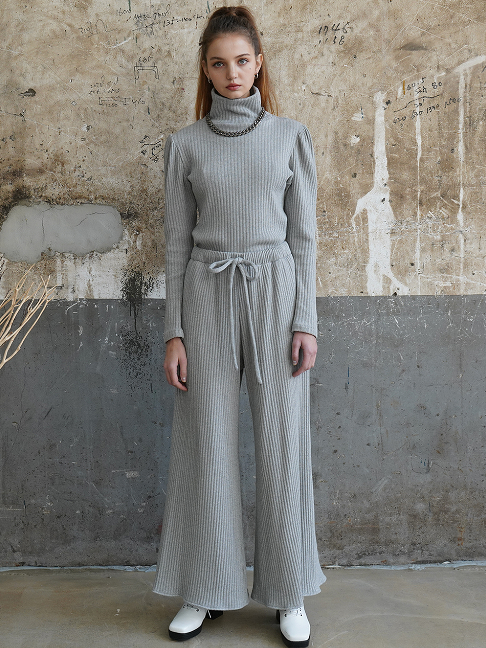 Cozy brushed-back cotton wide pants (gray)