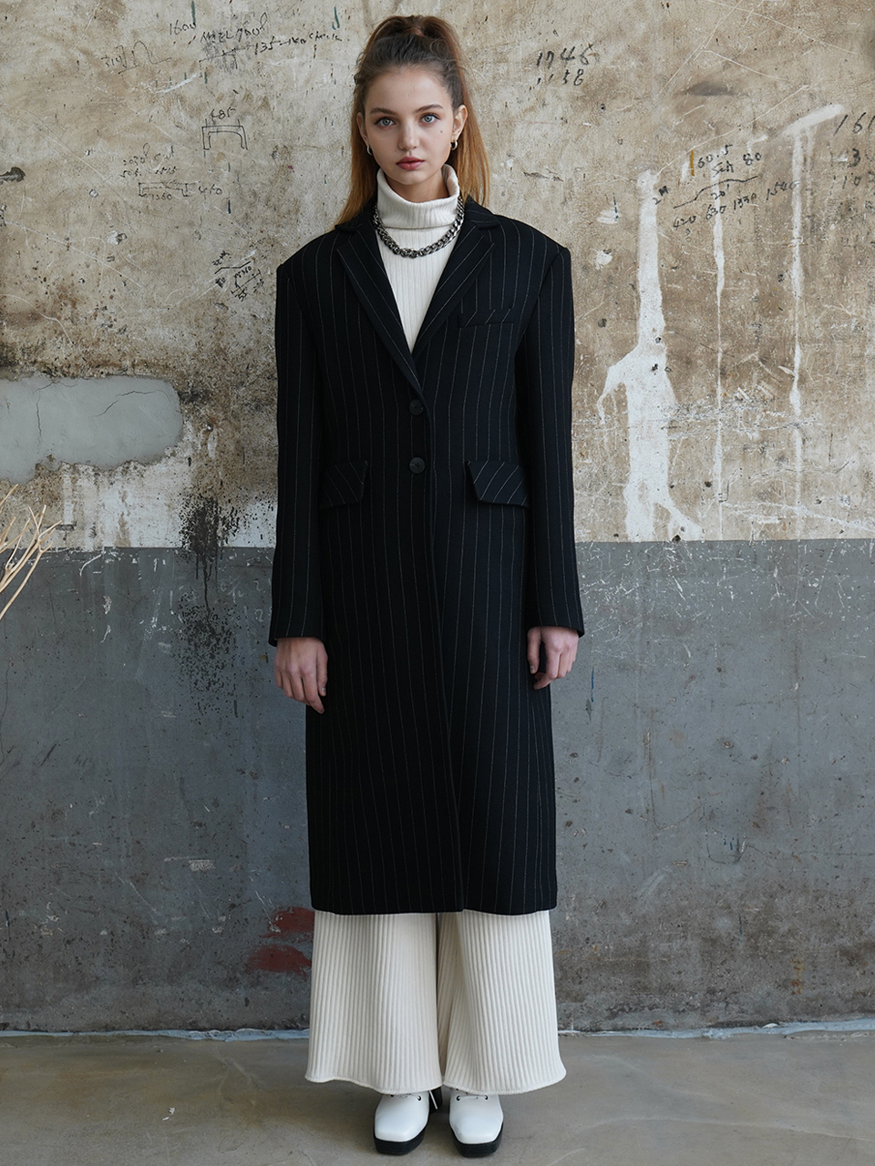 Italy striped single-breasted wool-blend coat (black)