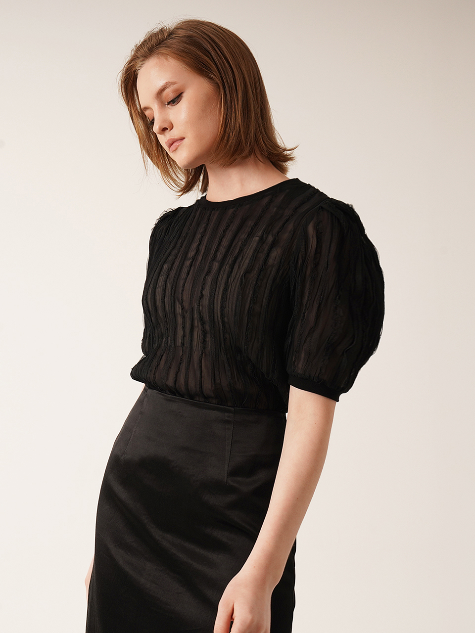See-through striped lace blouse (BLACK)